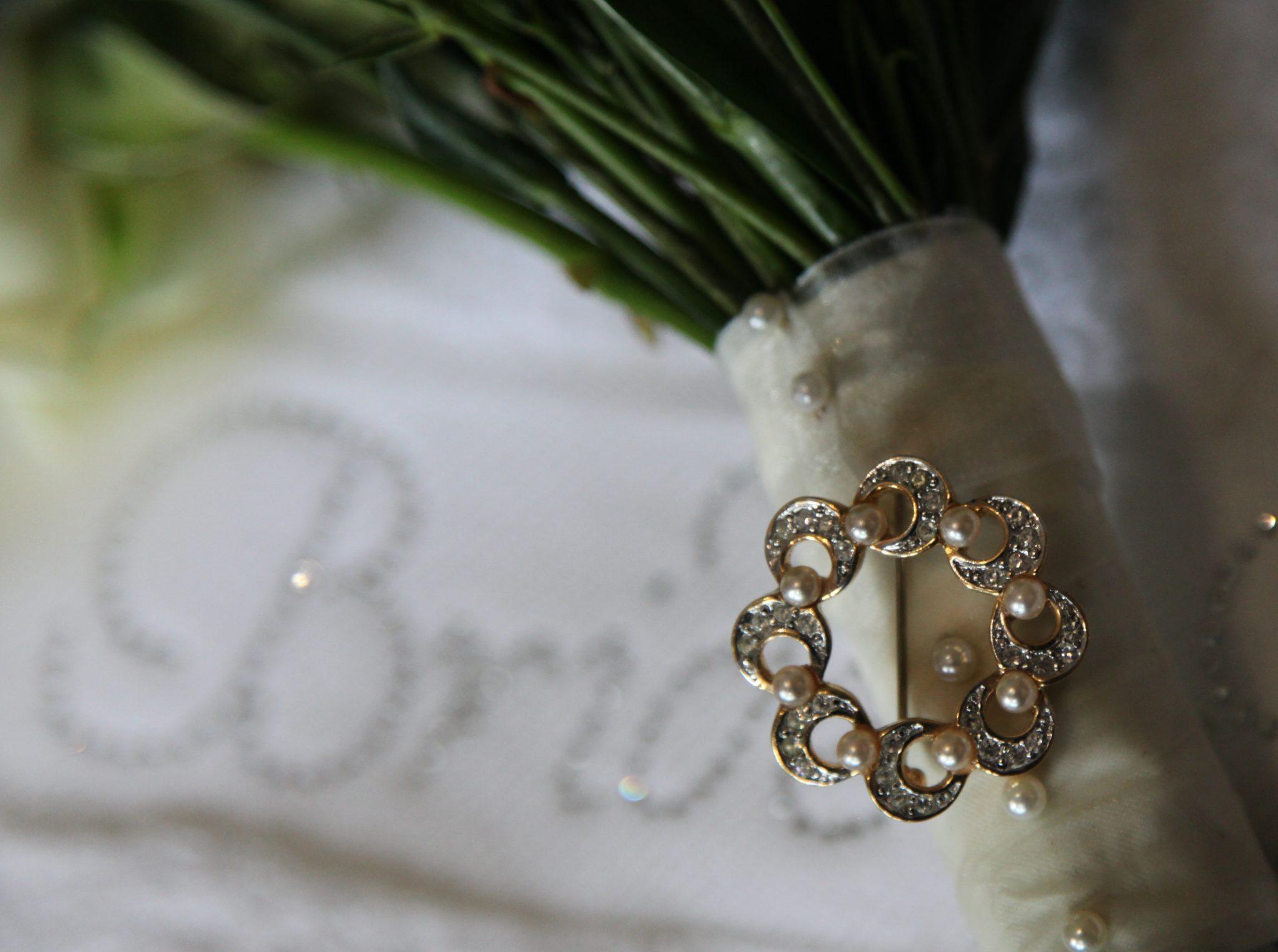 Wedding, Something Old, Grandma's brooch