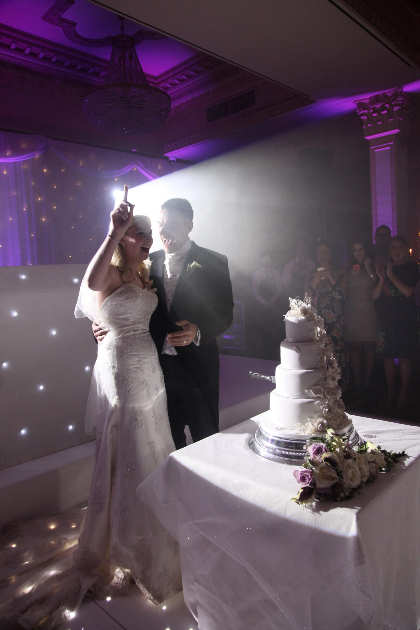 Cutting the cake, Down Hall